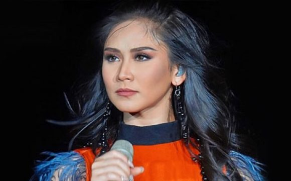 Sarah Geronimo tinawag na Queen of Sold Out